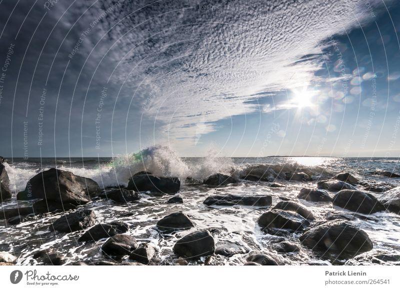 Waterfront Umwelt Natur Landschaft Erde Luft Wasser Himmel Wolken Sonne Sonnenlicht Wetter Schönes Wetter Wellen Küste Meer frei nass Abenteuer ästhetisch