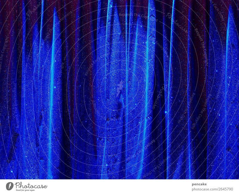 spectacle bleu elegant Nachtleben Entertainment Veranstaltung Show Bühne Wasser Blick träumen warten Kultur Kunst Zirkus Vorhang blau glänzend Himmel Faltenwurf