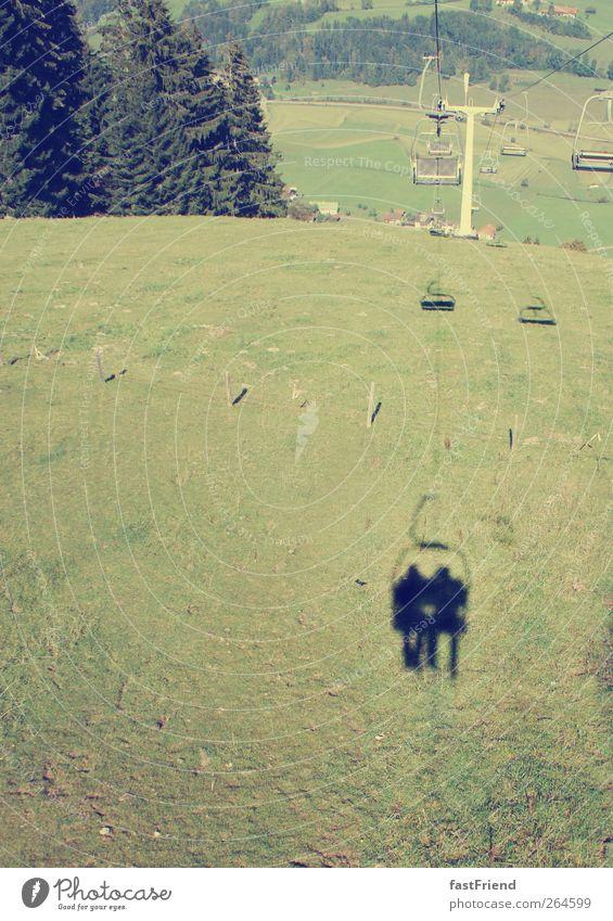 2,78m Ferien & Urlaub & Reisen Tourismus Ausflug Sommerurlaub Berge u. Gebirge Mensch maskulin fahren schaukeln Seilbahn Wiese Schattenspiel Weide