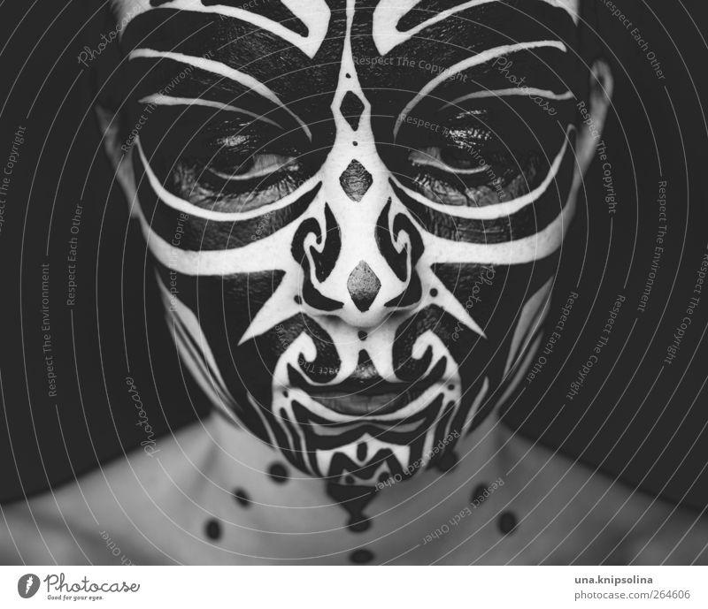 down Mensch Frau Jugendliche Gesicht Erwachsene feminin wild außergewöhnlich Junge Frau 18-30 Jahre Maske Schminke Kostüm Ornament Körpermalerei