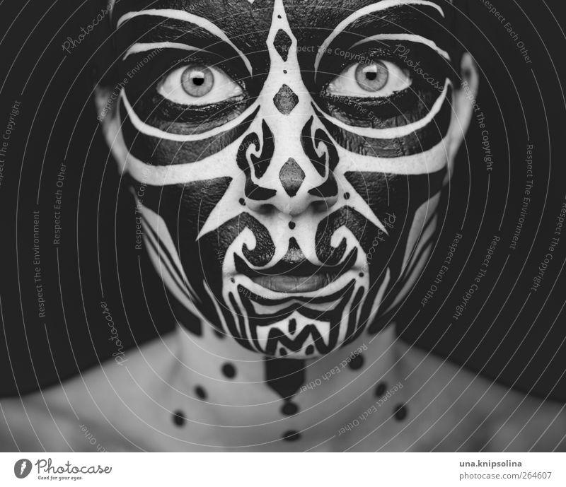 up Gesicht Schminke feminin Junge Frau Jugendliche Erwachsene 1 Mensch 18-30 Jahre Ornament außergewöhnlich einzigartig wild Maske Körpermalerei Kostüm