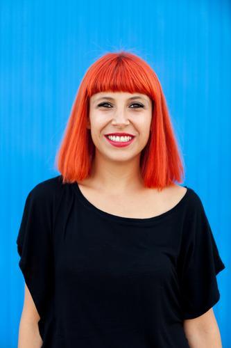 Frau Mensch Sommer schön weiß rot Erotik Freude schwarz Gesicht Lifestyle Erwachsene Glück Stil Mode Haare & Frisuren