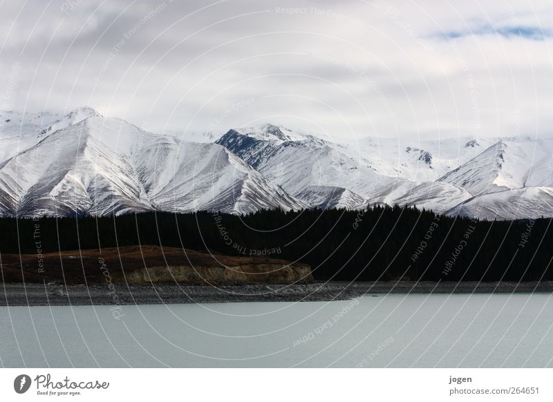 Am Ende der Welt Landschaft Erde Sand Wasser Himmel Wolken Herbst Winter Eis Frost Schnee Wald Berge u. Gebirge Schneebedeckte Gipfel Seeufer Strand Bucht