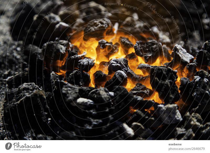 Sommer Farbe rot schwarz Wärme gelb hell Energie Brand heiß Konsistenz glühen Feuerstelle Funken Hölle Glut
