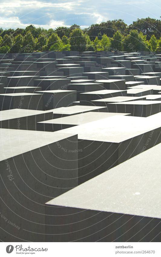 Holocaust Hauptstadt Stadtzentrum Bauwerk Architektur Sehenswürdigkeit Wahrzeichen Denkmal Holocaustgedenkstätte Berlin Beton Sommer Farbfoto Gedeckte Farben