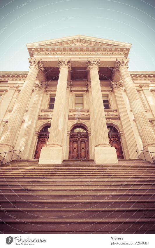 Entrance Bauwerk Gebäude Architektur Treppe Fassade Tür groß historisch New York State Eingangstür Säule Farbfoto Außenaufnahme Tag Froschperspektive Weitwinkel