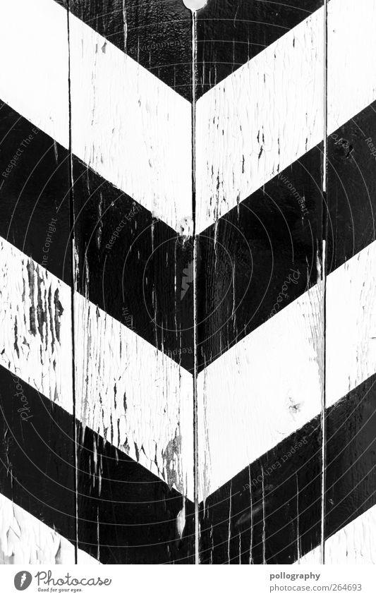 down Mauer Wand Fassade Tür Zeichen Hinweisschild Warnschild Linie Pfeil eckig schwarz weiß Bewegung Entschlossenheit Symmetrie Wege & Pfade Ziel
