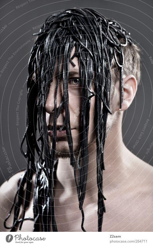 overgrown Mensch Jugendliche Einsamkeit Erwachsene dunkel kalt Traurigkeit träumen blond maskulin Wachstum 18-30 Jahre Wandel & Veränderung Junger Mann gruselig skurril