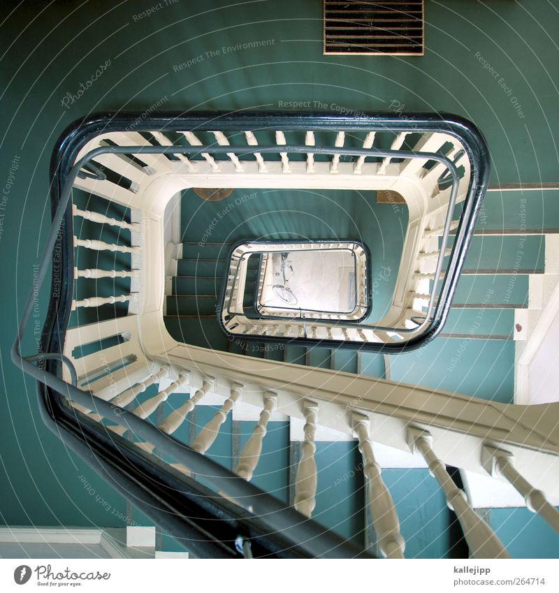 check-out Lifestyle Häusliches Leben Wohnung Haus Treppe Fahrradfahren Treppenhaus Etage treppenschacht Schacht fahrradstellplatz Altbau Mieter Wendeltreppe