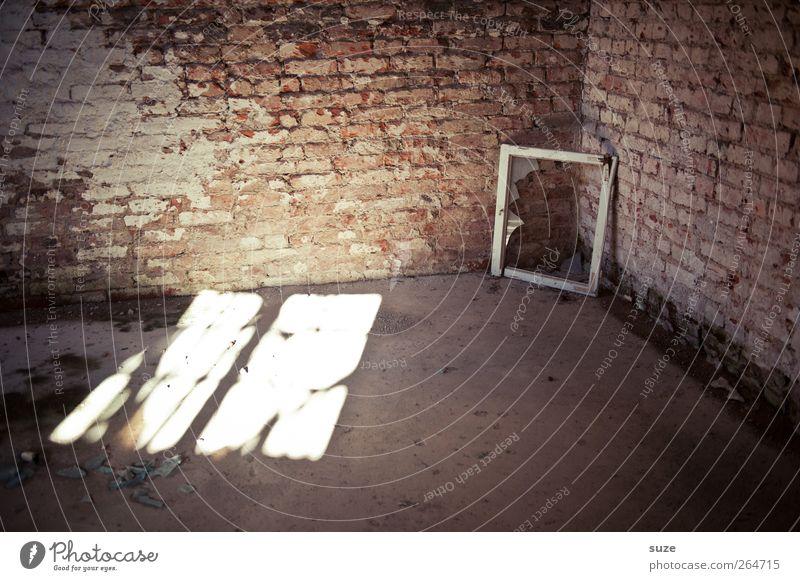Eckfenster Innenarchitektur Raum Gebäude Mauer Wand Fenster Stein Backstein alt dreckig kaputt Verfall Vergangenheit Vergänglichkeit Fensterrahmen Rahmen Ecke