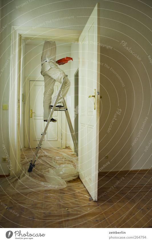 JFJ malt Mensch Mann weiß Erwachsene Wand Tür Arbeit & Erwerbstätigkeit Körper Wohnung maskulin stehen Hilfsbereitschaft Dienstleistungsgewerbe Unternehmen Leiter Karriere