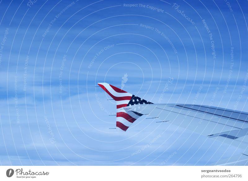 Stars and Stripes Ferien & Urlaub & Reisen Freiheit Luftverkehr Technik & Technologie Himmel Verkehrsmittel Flugzeug Flugzeugausblick Tragfläche Zeichen Fahne