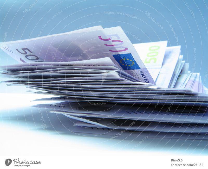 Money grün Freude Gefühle Glück Business Arbeit & Erwerbstätigkeit Zufriedenheit elegant Erfolg Fröhlichkeit kaufen Geld Coolness violett Euro bezahlen
