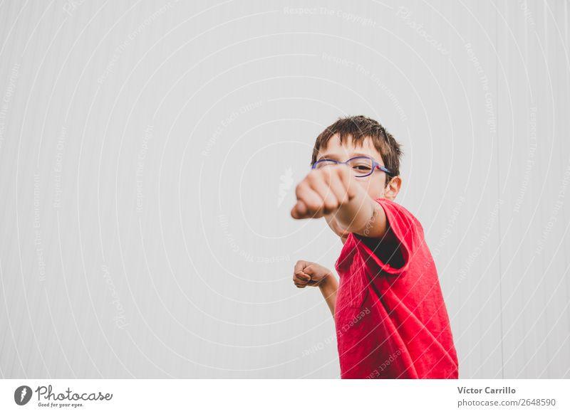 Niedliches Jagdflugzeugkind Glück Spielen Kind Baby Junge Familie & Verwandtschaft Kindheit 3-8 Jahre Natur Himmel Liebe authentisch klein Fröhlichkeit Euphorie