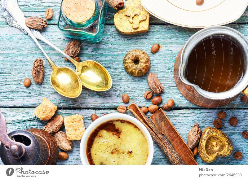 Tasse türkischer Kaffee und geröstete Bohne Bonbon Süße Schokolade trinken Koffein süß Lebensmittel Dessert braun Tisch lecker Kakao Getränk Zimt Konditorei