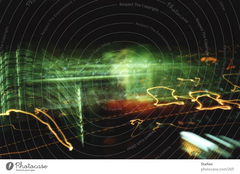 Lightwave: beta Licht Langzeitbelichtung Dresden Unschärfe dunkel Nacht Gläserne Manufaktur Blur