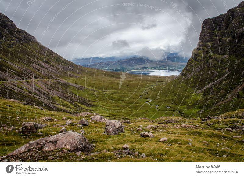 mór glen Umwelt Natur Landschaft Urelemente Wolken Wetter Berge u. Gebirge Highlands Applecross Schottland Großbritannien Europa wild Tal Schlucht unberührt