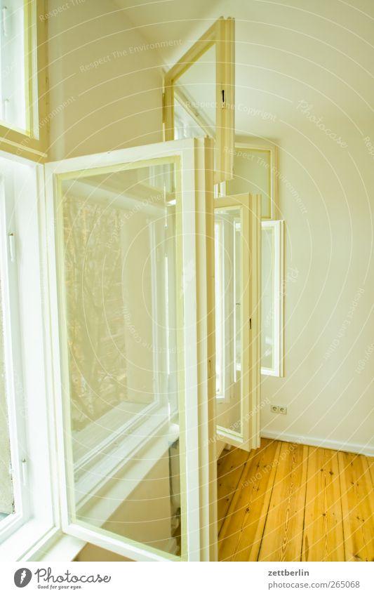 Fenster Mauer Wand hell wallroth Glas Häusliches Leben Wohnung Aussicht lüften Luft Sauerstoff Renovieren Renoviert Altbau Farbfoto Gedeckte Farben