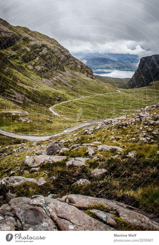 Canyonroad Umwelt Natur Landschaft Felsen Applecross Großbritannien Schottland Europa Straße wild Stadt abgelegen Ferne Wildheit Farbfoto Gedeckte Farben