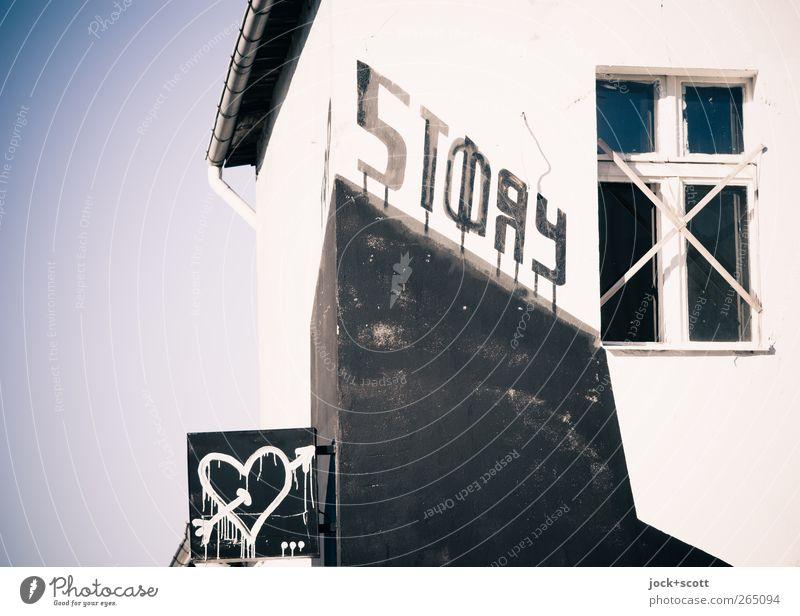 Love Story Club Disco Subkultur Straßenkunst Typographie Berlin-Mitte Haus Fassade Fenster Schilder & Markierungen Graffiti Herz Pfeil Piktogramm Liebe