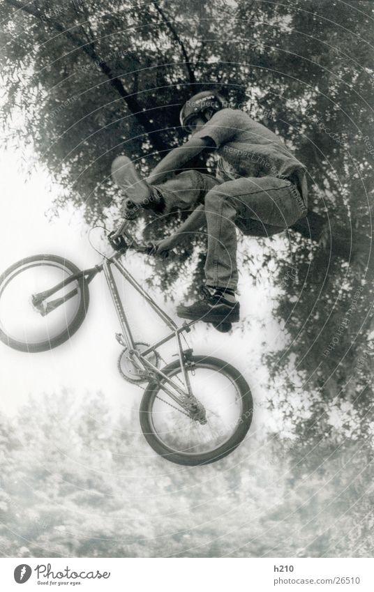 biker Mann Sport springen Fahrrad Funsport Extremsport