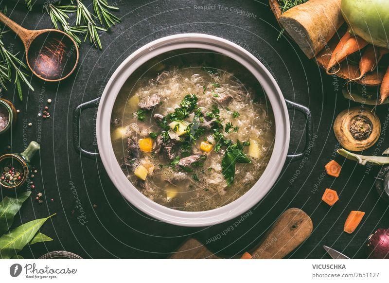 Kohlsuppe in Topf Gesunde Ernährung Foodfotografie Speise Lebensmittel Essen Stil Häusliches Leben Design Küche Kräuter & Gewürze Gemüse Diät Geschirr