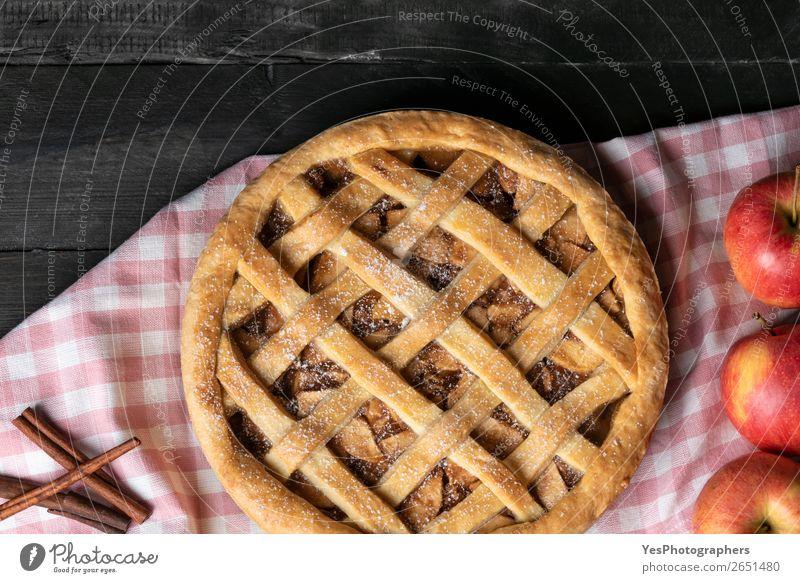 Obige Ansicht von Apfelkuchen und Apfelmus. Traditionelle süße Torte. Kuchen Dessert Süßwaren Tisch Küche Feste & Feiern Erntedankfest Weihnachten & Advent