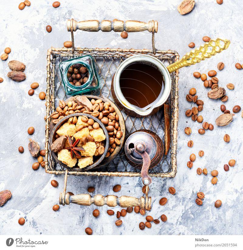 Geröstete Kaffeebohnen Bohne trinken Körner cezve Koffein braun Café Getränk Türkisch Topf heiß Espresso schwarz arabisch Frühstück Kardamom Zucker Gewürz Aroma