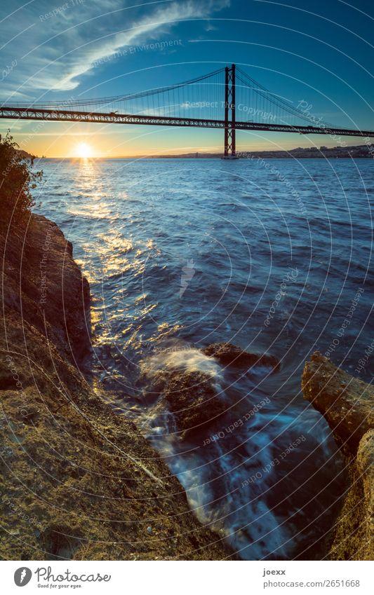Tanz unter der Brücke Ferien & Urlaub & Reisen blau schön Wasser Landschaft Sonne gelb orange braun Schönes Wetter Sehenswürdigkeit Städtereise Portugal