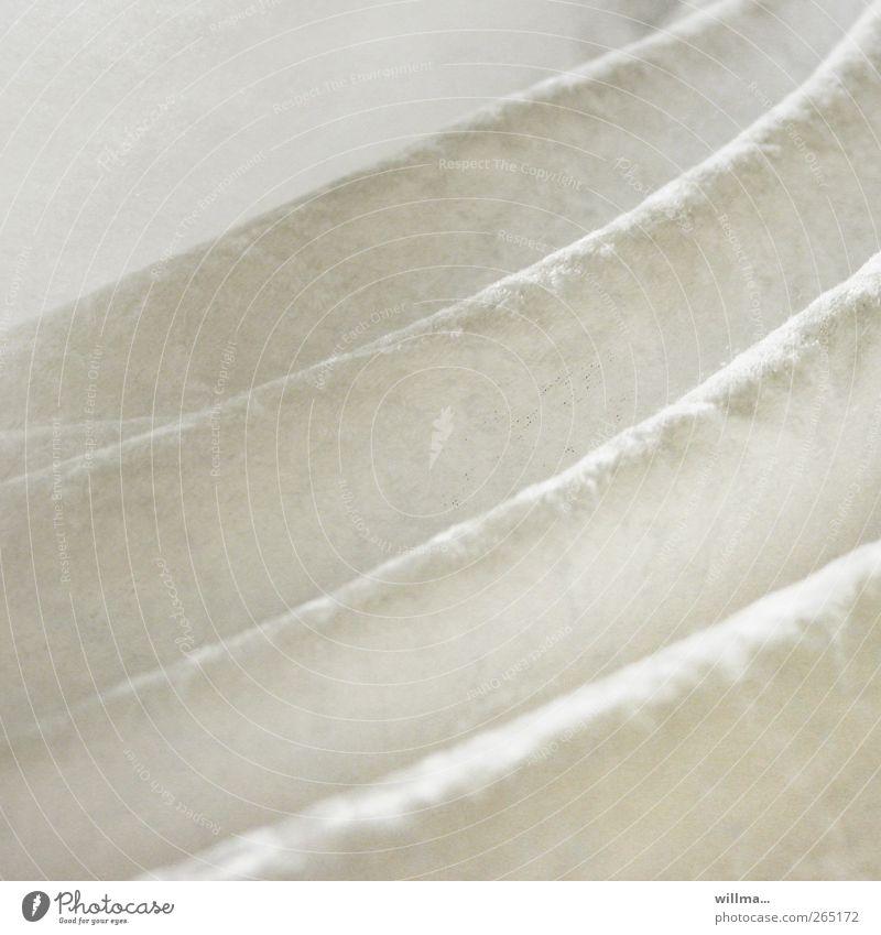 Deine Spuren im Samt Dekoration & Verzierung samtig Falte Faltenwurf Textilien Stofffalten hell kuschlig weich weiß Wohlgefühl ästhetisch elegant Reichtum sanft
