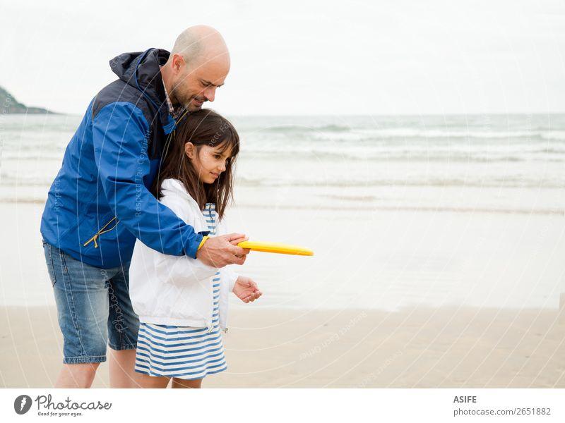 Papa ist der beste Lehrer. Freude Glück Freizeit & Hobby Spielen Strand Meer Kind Schule Eltern Erwachsene Vater Familie & Verwandtschaft Wolken Glatze Lächeln