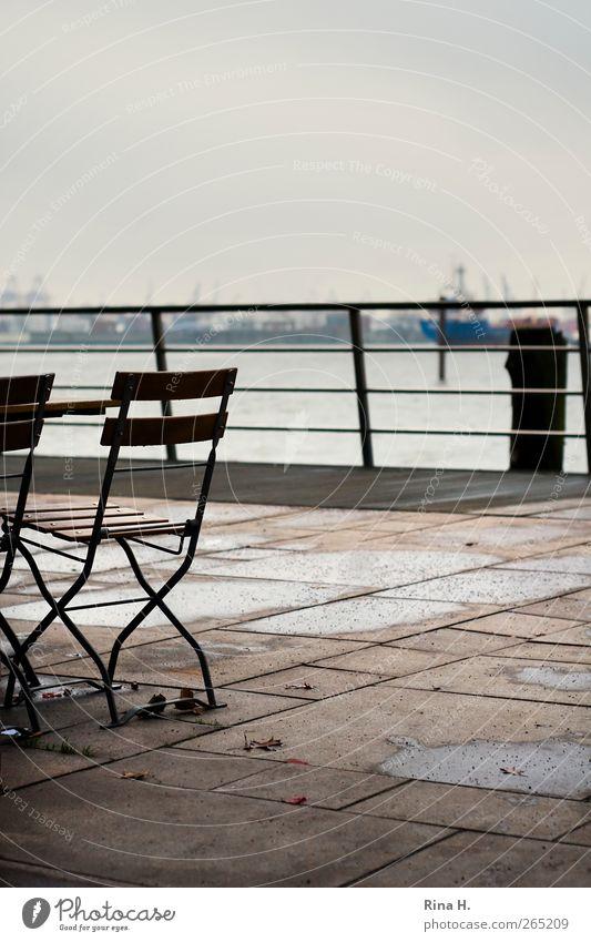 Schiet Wedder Winter authentisch Hafen Geländer Schifffahrt Terrasse schlechtes Wetter Hafenstadt Gartenstuhl Binnenschifffahrt
