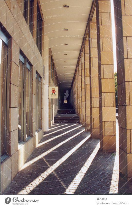 schattensäulen Frankfurt am Main Licht Architektur Schatten Säule schirn Gang