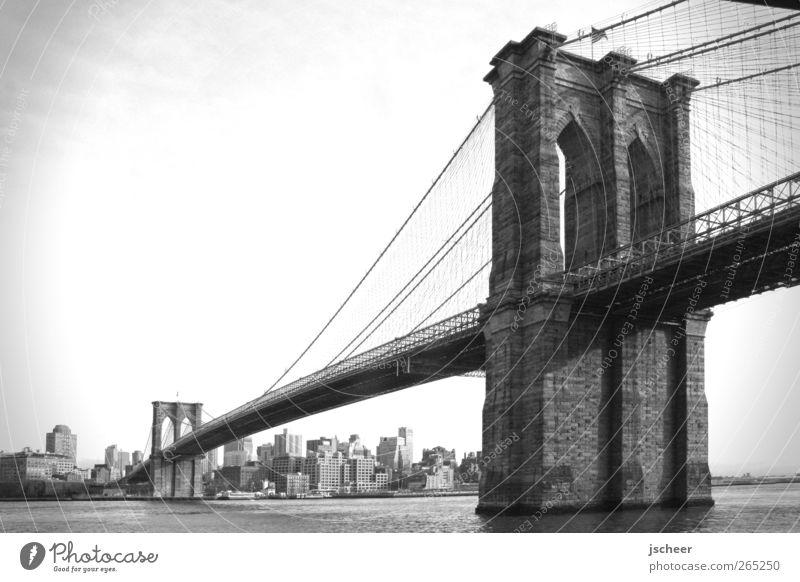Brooklyn Bridge alt Stadt Straße Wege & Pfade groß Brücke Bauwerk fest stark Verkehrswege entdecken Sehenswürdigkeit New York City gigantisch