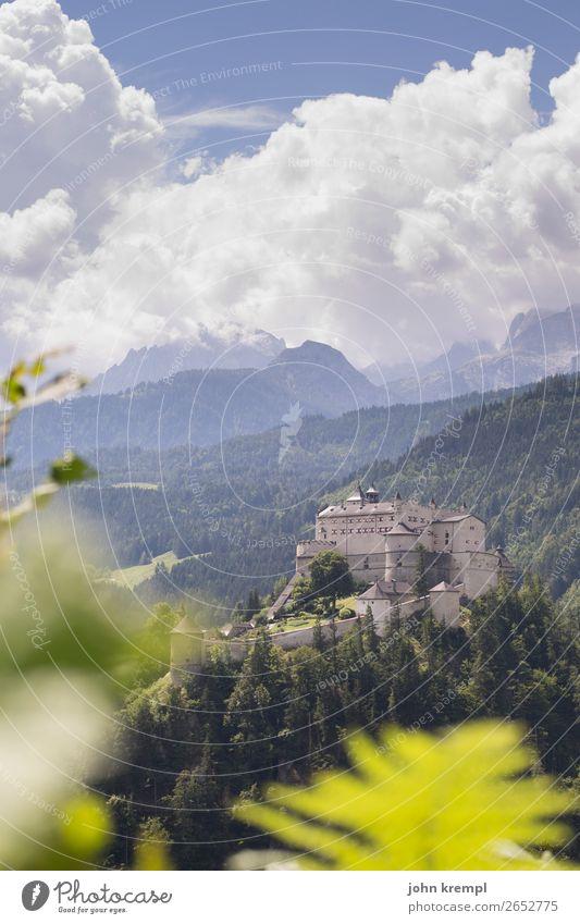 III Burg Hohenwerfen - Die Entscheidung Burg oder Schloss Mittelalter Ritter historisch Turm Himmel Wolken Festung Salzburger Land Wald Außenaufnahme