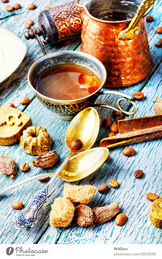 Kaffeetasse mit Süßigkeiten Tasse trinken Bonbon Koffein braun Café Getränk süß Trüffel Reichtum Türkisch golden Schokolade Becher heiß Espresso schwarz