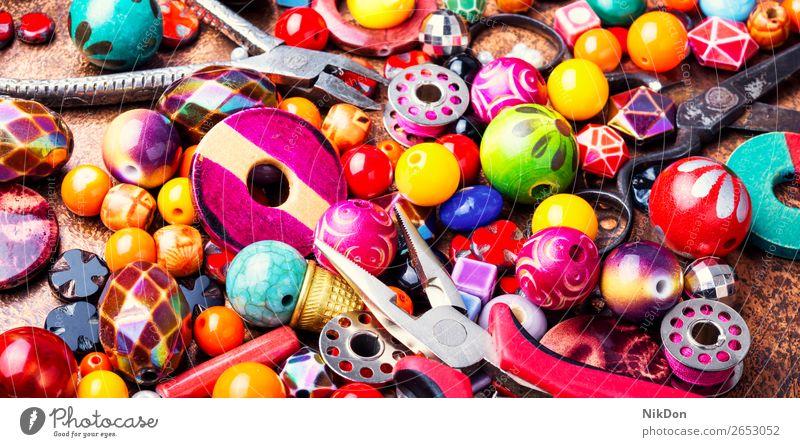 Herstellung von Schmuck aus Perlen Wulst Textur Dekoration & Verzierung Handwerk handgefertigt Accessoire Sicken Mode farbenfroh Tschechisches Glas Glasperlen