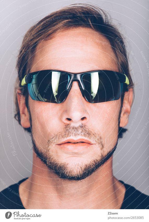 Sunglasses Lifestyle elegant Stil maskulin Junger Mann Jugendliche 18-30 Jahre Erwachsene 30-45 Jahre Mode Sonnenbrille brünett langhaarig Bart Coolness trendy