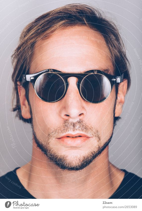 Sunglasses Lifestyle elegant Stil maskulin Junger Mann Jugendliche 18-30 Jahre Erwachsene Mode Sonnenbrille brünett langhaarig Bart Coolness trendy schön