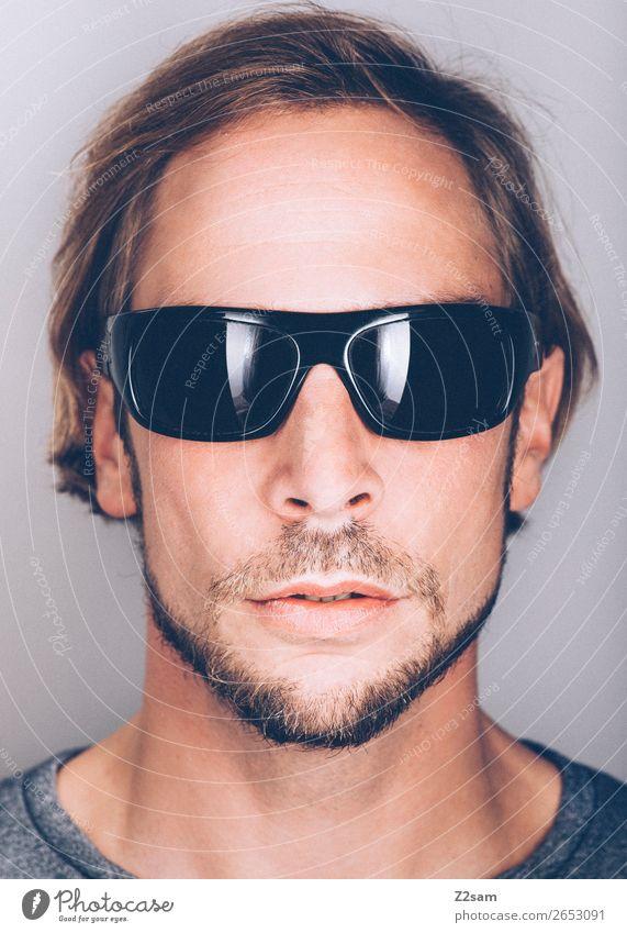Sunglasses Lifestyle elegant Stil maskulin Junger Mann Jugendliche 18-30 Jahre Erwachsene 30-45 Jahre Mode Sonnenbrille brünett langhaarig Coolness trendy schön