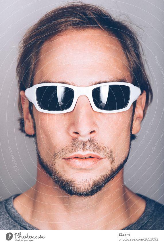 Sunglasses Lifestyle elegant Stil Design maskulin Junger Mann Jugendliche 18-30 Jahre Erwachsene 30-45 Jahre Mode Sonnenbrille brünett langhaarig Bart Coolness
