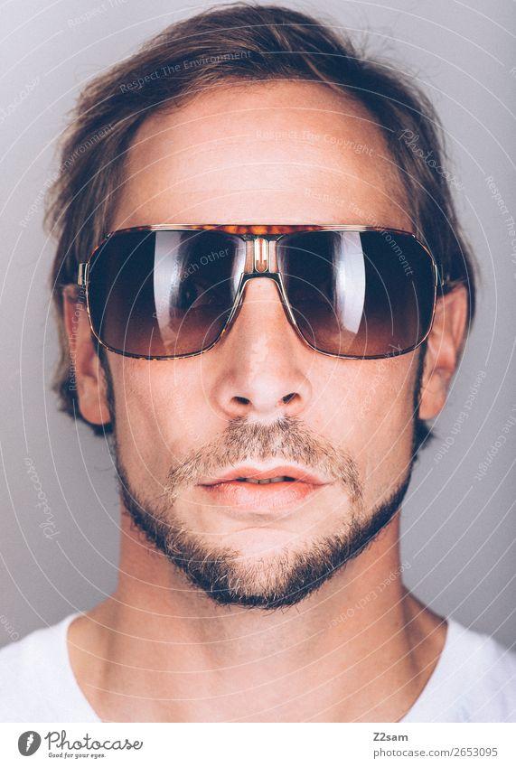 Sunglasses Lifestyle elegant Stil Design maskulin Junger Mann Jugendliche 18-30 Jahre Erwachsene 30-45 Jahre Mode Sonnenbrille brünett langhaarig Coolness