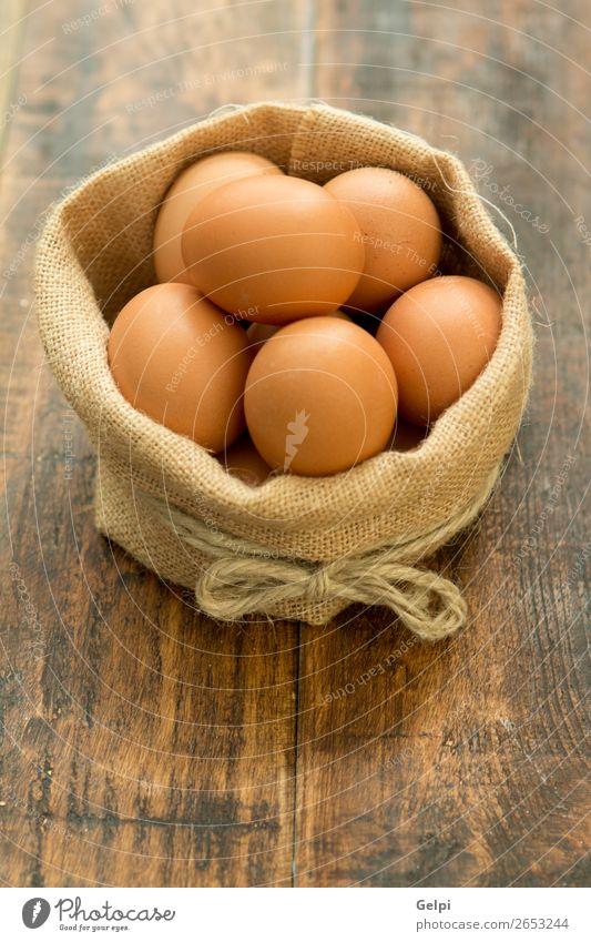 Natur weiß Holz natürlich Feste & Feiern Menschengruppe Vogel braun Ernährung frisch Küche Ostern Tradition Bauernhof Frühstück Diät