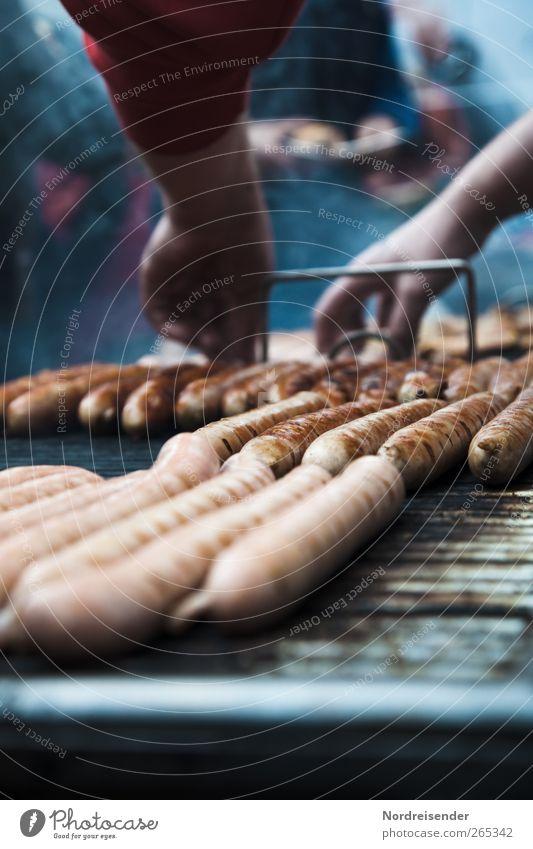 Grillfinger Lebensmittel Fleisch Wurstwaren Ernährung Arbeit & Erwerbstätigkeit Handel Gastronomie Mensch Arme Metall warten Appetit & Hunger Völlerei genießen