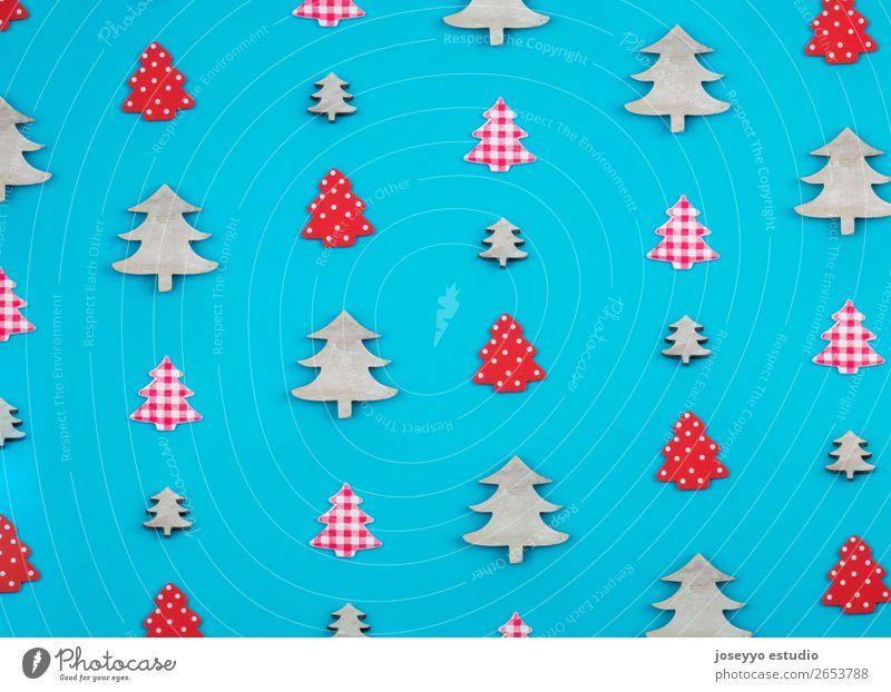 Weihnachtsmuster aus Weihnachtsbäumen. Design Winter Dekoration & Verzierung Feste & Feiern Handwerk Papier einfach oben blau rot weiß Kreativität Hintergrund