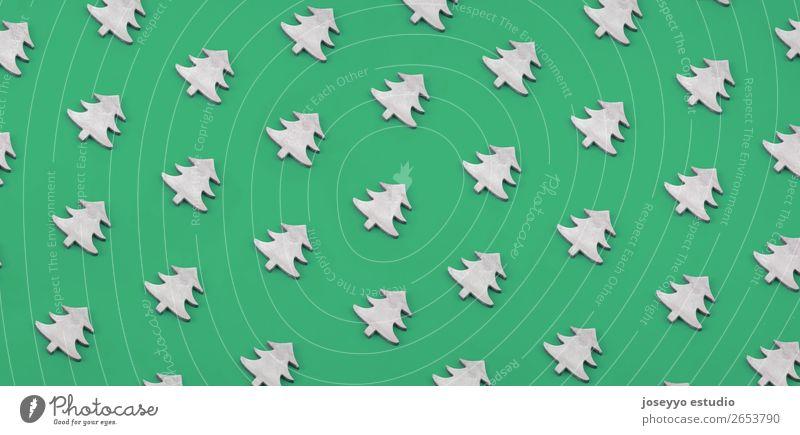 Weihnachtsmuster aus Weihnachtsbäumen aus Holz. Design Winter Dekoration & Verzierung Feste & Feiern Handwerk Papier einfach oben grün weiß Kreativität