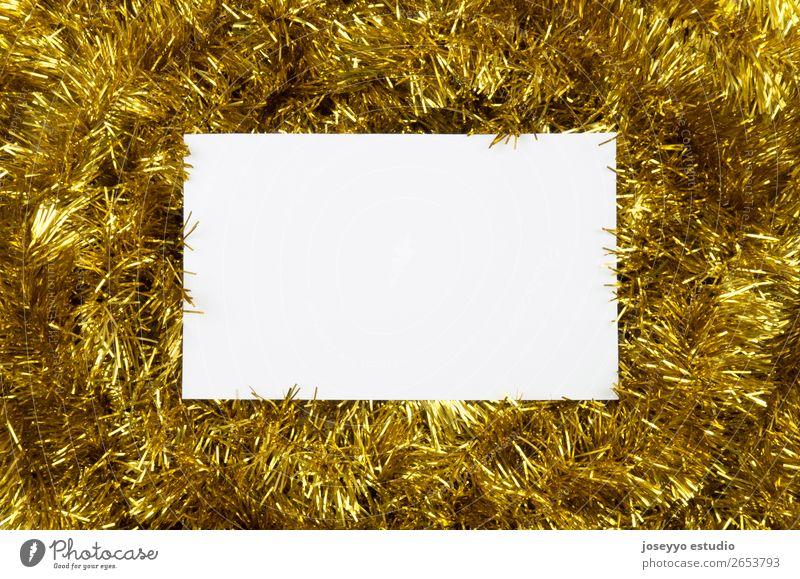 Weihnachts-Layout. Weiße Karte auf goldenem Flitter. Design Glück Winter Dekoration & Verzierung Feste & Feiern Silvester u. Neujahr Schnur einfach oben weiß