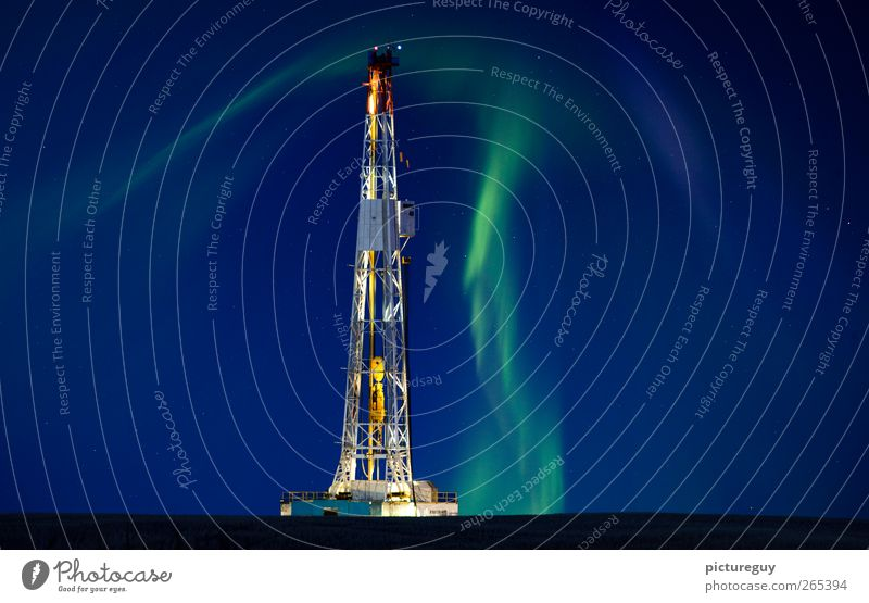 Himmel Landschaft Arbeit & Erwerbstätigkeit Energiewirtschaft Baustelle Industrie Technik & Technologie Landwirtschaft Stahl Abenddämmerung Mast Nachthimmel