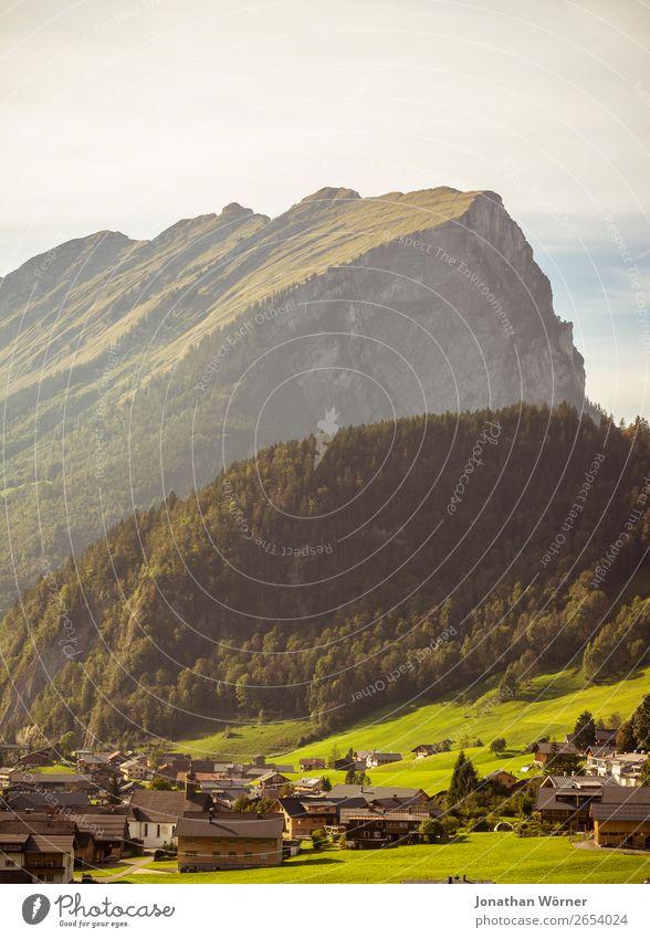 Bregenzerwald Ferien & Urlaub & Reisen Tourismus Ausflug Abenteuer Sommer Berge u. Gebirge wandern Natur Landschaft Schönes Wetter Gras Wiese Wald Felsen Alpen