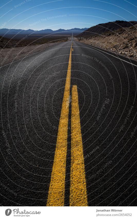 Highway Ferien & Urlaub & Reisen Tourismus Ausflug Abenteuer Ferne Freiheit Sommer Landschaft Horizont Berge u. Gebirge Schlucht Death Valley National Park